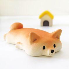 My name is Tetsuya Iseda. I live in Fukuoka, Japan. After graduating from Saga Prefectural Arita ceramics University I started making dog figurines from ceramic.