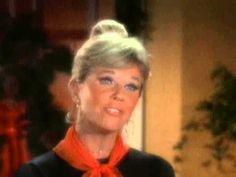 The Doris Day Show - Doris Days sings 'Silver Bells'