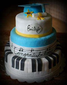 Musical Graduation cake by Snacky French