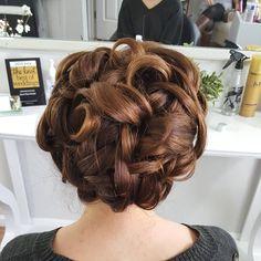 """Sunny days in the studio..#updo #bridaltrial #hairart #hairup #intricate #hairlove #hairstylist #highbun #weddinghair #volume #brunette #bride #bridetobe…"""