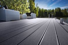 UPM ProFi Deck's range of colours has been inspired by Finnish nature: a land of lakes, forest and granite, of the midnight sun and snow filled winters.