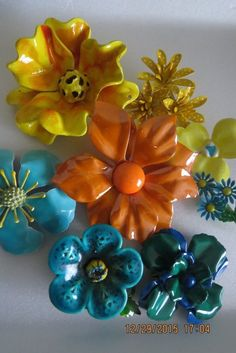 Vintage 8 Piece Enamel Flower Brooch Pins Lot #Unbranded