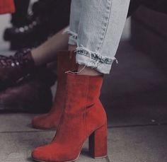 48 Fabulous Fashion High Heels For Teen Girls - Schuhe - Look Fashion, Fashion Shoes, Autumn Fashion, Womens Fashion, Fashion Black, Fashion 2018, Ladies Fashion, Sneakers Fashion, Fashion Trends