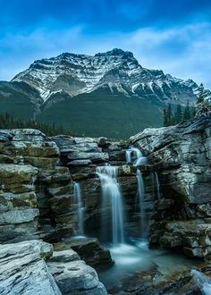 20 of the most beautiful places in alberta, canada: athabasca falls travel, world Beautiful Waterfalls, Beautiful Landscapes, Places To Travel, Places To See, Beautiful World, Beautiful Places, Les Cascades, Photos Voyages, Thinking Day