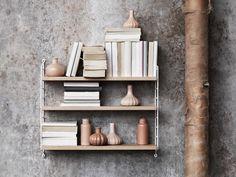 Een klassieker maar nog zo van deze tijd: de String module kast. In elke ruimte van je woning te gebruiken. Meer wooninspiratie of tips voor het inrichten van je huis: http://www.interieurinspiratie.nl/string-kasten/