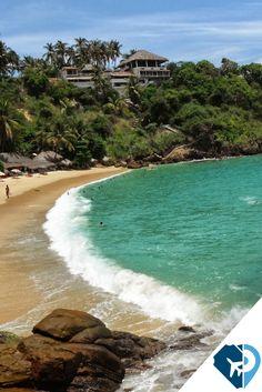 uerto Escondido cuenta con varios tramos de magnífica playa de arena fina con un ambiente relajado y un montón de comodidades