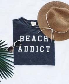 Beach Addict Sweatshirt - Trendslove