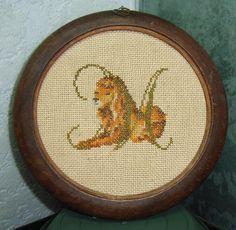broderie lion point croix, 7 point compté au cm