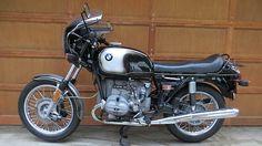 Restauration et peinture d'une BMW R90s900cc.