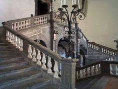 Palazzo Serra di Cassano -- Napoli