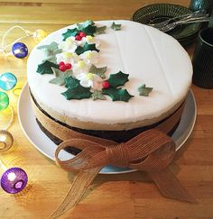 Last week I shared with you my rich fruit cake recipe which I use for my Christmas cake. So now its time to show you the finished cake. Christmas Cake Designs, Christmas Cake Decorations, Holiday Cakes, Holiday Desserts, Button Cake, Christmas Baking, Christmas Treats, Christmas Cakes, Xmas Cakes