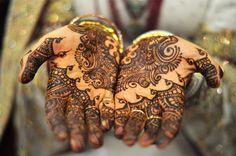 How To Do a Henna Tattoo