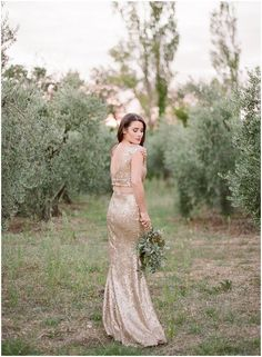Trendy Wedding Dresses  :    shimmering gold wedding dress // photo by Gert Huygaerts Photography  - #Dress https://youfashion.net/wedding/dress/trendy-wedding-dresses-shimmering-gold-wedding-dress-photo-by-gert-huygaerts-photography/