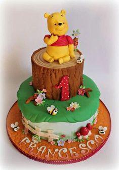 Baby Shower Cupcakes Winnie The Pooh Bear Cakes 57 Ideas Gateau Baby Shower, Baby Shower Cupcakes, Shower Cakes, Winnie Pooh Torte, Winnie The Pooh Birthday, Winne The Pooh, Disney Winnie The Pooh, Adult Birthday Cakes, Cake Birthday