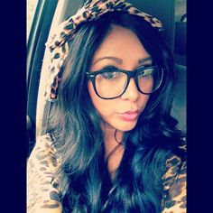#Snooki I really loveeee her in big glasses! So pretty. ♡♡♡