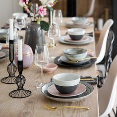 Shop online for the luxury ranges of cutlery and silverware at Amara, perfect for updating your table setting. Gold Cutlery, Cutlery Set, Flatware, Luxury Gifts, Dining, Tableware, Fork, Spoon, Dishwasher