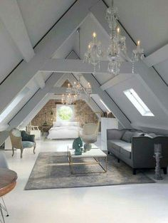 15 attic rooms that you would like to tidy up as quickly as possible . up room attic rooms that you want to tidy up as quickly as possible . - attic rooms that you would like to tidy up as quickly Attic Master Bedroom, Attic Bedrooms, Bedroom Loft, Huge Bedrooms, Attic Bedroom Ideas Angled Ceilings, High Ceiling Bedroom, Diy Bedroom, Loft Bathroom, Bathroom Grey