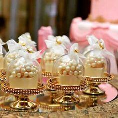 Mais ideias para a linda mini cúpula. Luxo!!! Decoradas por @paulajacob.festas. #minicupula #minibol - jae_festa