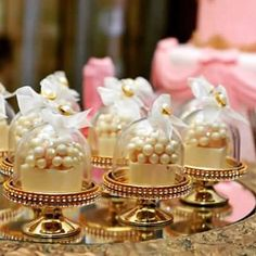 Mais ideias para a linda mini cúpula. Luxo!!! Decoradas por @paulajacob.festas. #minicupula #minibol - jae_festa Party Treats, Party Favors, Wedding Favours, Wedding Gifts, Wedding Ideas, Mini Cupula, Bridal Shower, Baby Shower, Promposal