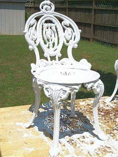 How To Paint Cast Iron Furniture, Great tips can't wait to restore our outdoor swing – metal of life Cast Iron Garden Furniture, Iron Furniture, Painted Furniture, Furniture Refinishing, Antique Furniture, Patio Furniture Makeover, Backyard Furniture, Outdoor Furniture, Sunroom Furniture