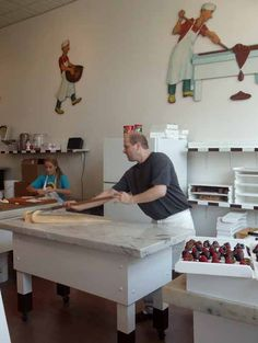 Making fudge at Howse's candy shop in Harbor Springs, Michigan Making Fudge, How To Make Fudge, Charlevoix Michigan, Vacation Wishes, State Of Michigan, Candy Shop, Nostalgia, Places, Happy