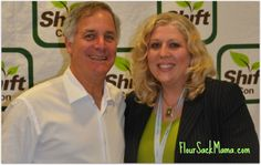 Gary Hirshberg at ShiftCon Conference with bloggers