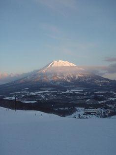 Great view of Mt Yotei, Hokkaido Japan in todays snow report. Snow Report, Great View, Mount Rainier, Beautiful World, North America, Japan, Big, Places, Travel