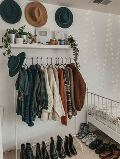 Zimmer gestalten What you need to remember Cute Room Decor, Room Decor Bedroom, Dorm Room, Bedroom Ideas, Western Bedroom Decor, Fall Room Decor, Bedroom Vintage, Bedroom Inspo, Diy Wardrobe