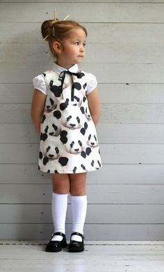 over panda's,uniformen en een Chinees thema Little Girl Outfits, Little Girl Fashion, Little Girl Dresses, Toddler Fashion, Fashion Kids, Girls Dresses, Cute Outfits, Baby Dresses, Dress Girl