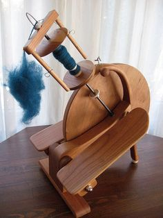 Pocket Wheel owned by lesleeroberts on ravelry Spinning Wheel For Sale, Spinning Wool, Hand Spinning, Spinning Wheels, Weaving Tools, Weaving Projects, Art Du Fil, Drop Spindle, Wheels For Sale