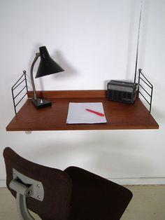 a little desk from String. This system was designed by Kajsa en Nisse Strinning in 1949 but still is in production. String System, Mid Century Modern Furniture, Desks, Vintage Designs, Home Furnishings, Mid-century Modern, Furniture Design, Tables, Study