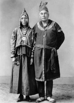 Bessie Prosper-Thomas with her husband John Thomas - Mi'kmaq – 1923 native Woodland Indians, Indigenous Tribes, Indian Pictures, Canadian History, Canada, American Indian Art, Historical Images, Native American Tribes, Native Indian