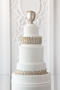 Unique Wedding cake work by  Cake Opera Co.