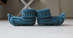 Uniek patroon om elfensloffen voor jouw baby te breien. Deze babysokjes passen natuurlijk schattig bij de elfenmuts!