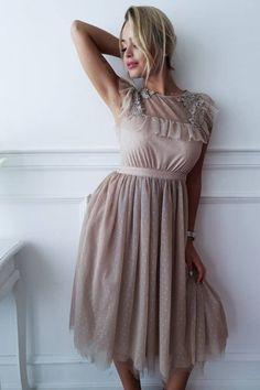 58d39e4d3604e SUkienka Valentina beige - Sprzedaż odzieży online dla kobiet