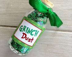Christmas Eve Party Favor Grinch Dust Christmas by EllaJaneCrafts Christmas Stall Ideas, Christmas Gift Themes, School Christmas Party, Grinch Christmas Decorations, Grinch Christmas Party, Holiday Party Themes, Christmas Party Favors, Kids Party Themes, Homemade Christmas Gifts