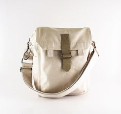 Messenger bag   laptop   men   women   off white   by kormargeaux 6ec438c3163