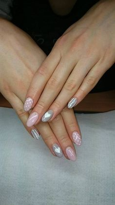 Wspaniała stylizacja przy użyciu Gel Polish French Pink i Caffe Latte by Kasia Basaj! Więcej inspiracji znajdziesz na www.indigo-nails.com #nailart #nails #pastel #grey #pink #powder #white