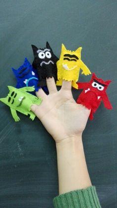 Marionetas de dedo del monstruo de colores Emotions Activities, Color Activities, Activities For Kids, Crafts For Kids, Arts And Crafts, Felt Finger Puppets, Crochet Monsters, Monster Birthday Parties, Sensory Activities