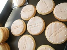 wedding anniversary party favors - I like the little dots on the edges Wedding Sweets, Wedding Cookies, Wedding Favors, Buffet Wedding, Gift Wedding, Party Wedding, Wedding Cake, Cookie Party Favors, Party Favours