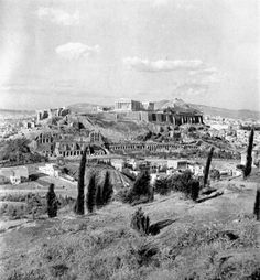 Greek History, Athens Greece, Once Upon A Time, Vintage Photos, Paris Skyline, The Neighbourhood, Old Things, Louvre, Museum