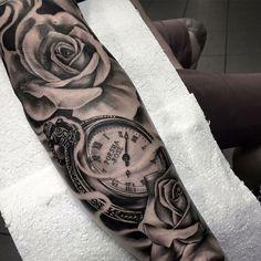 Bilderesultat for pocket watch tattoo hand