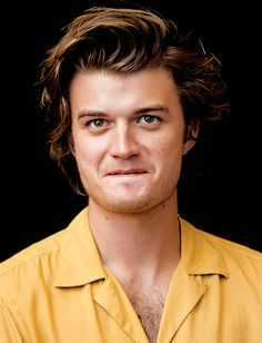 """A E L L A """"Joe Keery at the 'Stranger Things' Press Conference on July 22, 2017. """""""