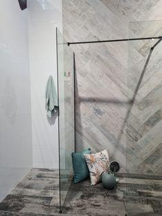 #tiles #interiordesign #design #homedecor #tile #interior #bathroom #bathroomdesign #floortiles #walltiles #tiledesign #flooring #home #interiors #renovation #ceramics #ceramic #tilestyle #tiletrends #mosaic #homedesign #ceramictiles #porcelain #woodlooktiles Style Tile, Tile Design, Porcelain Tile, Wall Tiles, Mosaic, House Design, Interiors, Trends, Flooring