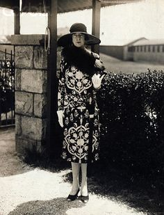 "Consuelo's first-cousin Gertrude Vanderbilt Whitney, a sculptor, seen here wearing a black and white silk dress with a black straw hat at Newport, Aquidneck Island, RI.  She maintained custody of ""Little"" Gloria Vanderbilt after her father Reggie died in 1925, although Gloria Vanderbilt later explained she was raised by nannies."