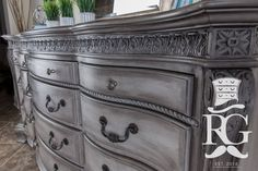 Dresser Painted in Annie Sloan French Linen, Clear Wax and Black Wax Annie Sloan Painted Furniture, Annie Sloan Paints, Chalk Paint Furniture, Distressed Furniture, Refurbished Furniture, Furniture Makeover, Dresser Makeovers, Bedroom Vintage, Home And Deco
