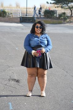 Big beautiful black girl ig- Philly Shirt- old navy rock-asos shoe brand by avon Wallet -old navy Beach Outfits Women Plus Size, Thick Girls Outfits, Curvy Girl Outfits, Plus Size Girls, Plus Size Fashion For Women, Plus Size Women, Plus Size Outfits, Big Black Woman, Beautiful Black Girl