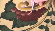 Stylized Grapes, Decorative Painting - Bauernmalerei - FREE Tole Painting Lesson