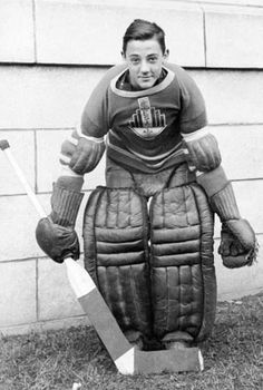 Joseph Jacques Omer Plante (January 1929 – February was a Canadian professional ice hockey goaltender. During a career lasting from he was considered to be one of the most important innovators in hockey. Field Hockey Goalie, Pro Hockey, Hockey Room, Hockey Stuff, Montreal Canadiens, Goalie Mask, Ice Rink, Good Old Times, Anaheim Ducks