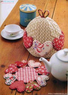 """Шить,пошивать да добра наживать!: Кухонный комплект """"Зефирный"""": грелка на чайник + подставки под горячее"""